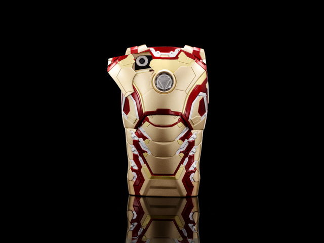 iPhone 5 / 5s / SE MARVEL Iron Man Mark XLII (42) Protective Case with LED Light Reflector (Limited Edition)
